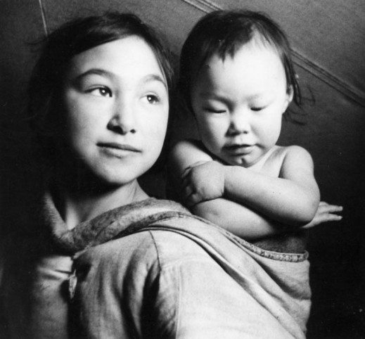 Bella Lyall-Wilcox (left) and Betty Lyall-Brewster, Taloyoak (formerly Spence Bay), Nunavut, by Studio Norman, Health and Welfare Canada (MIKAN 3613832)