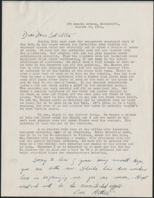 A typewritten letter discussing domestic affairs of an impending move.