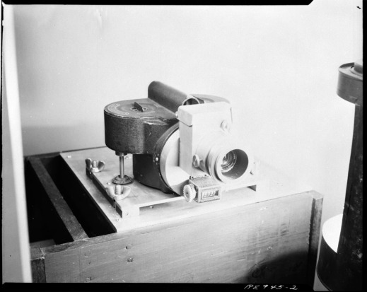 Black-and-white photograph of a camera from 1943.