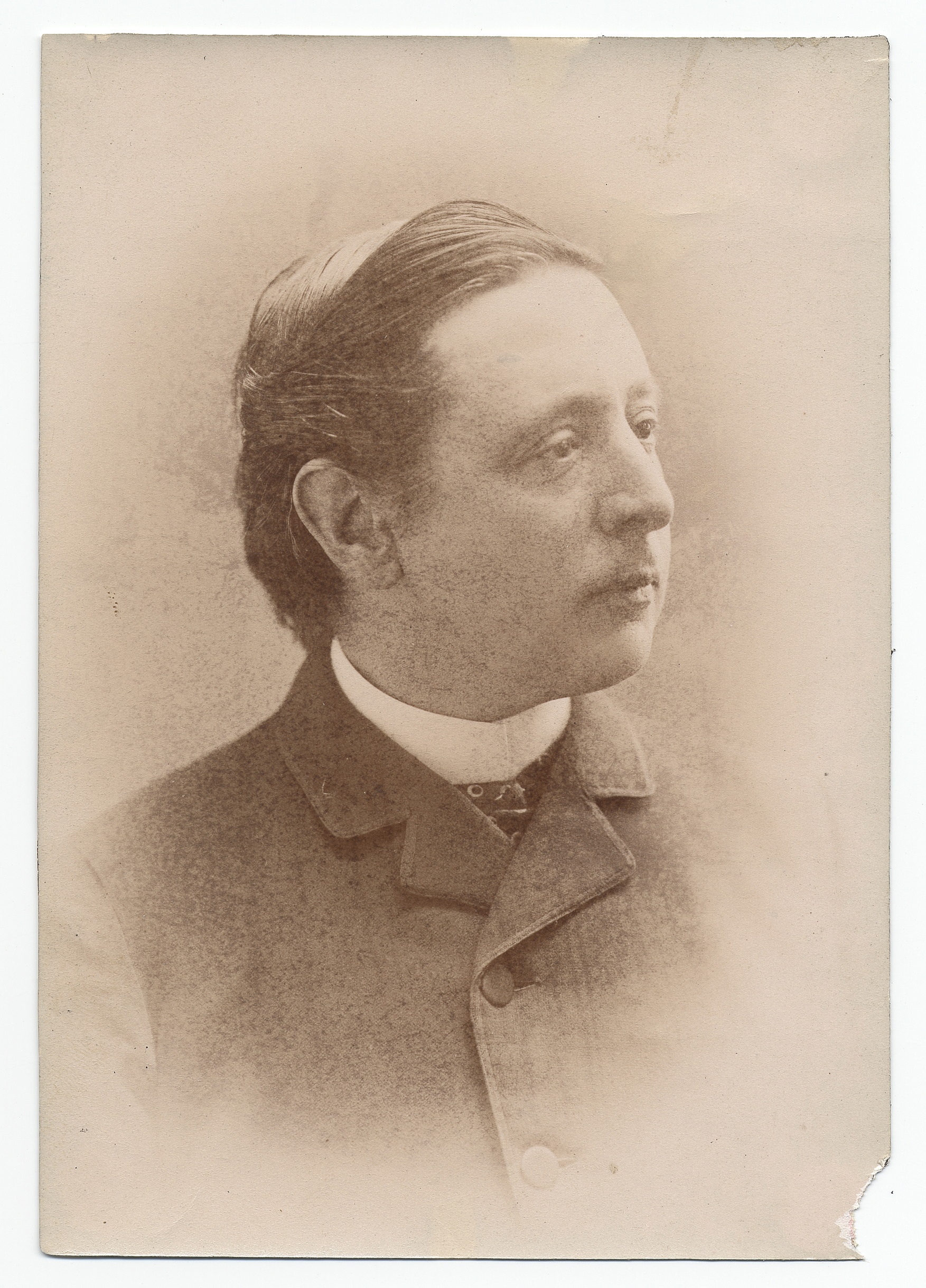 Head and shoulders photograph of Frederic Marlett Bell-Smith